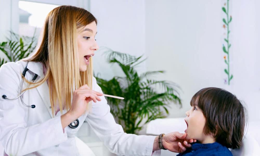 Ból gardła u dziecka - co robić?